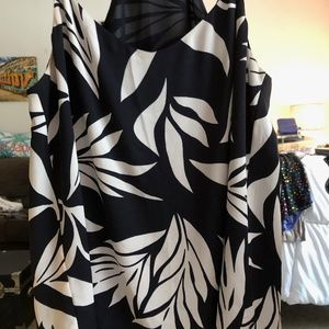 Size Small- Flowing Tropical Tank